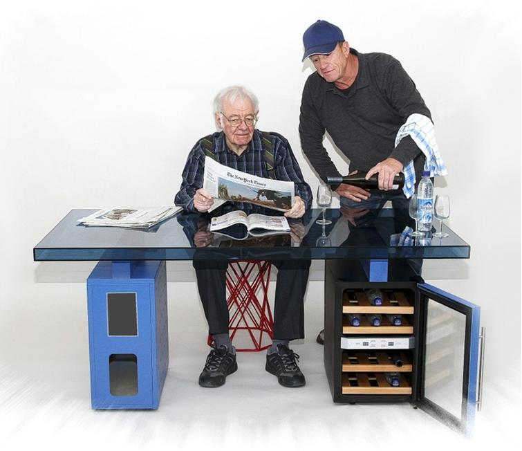 Erich Steichele: Technology transfer from neutron guides to living room tables (2006?).