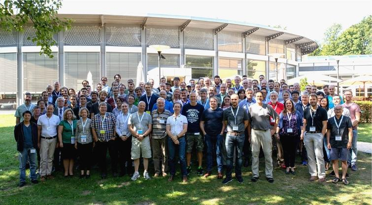 Neutron and x-ray participants of the ISSE workshop gathered at Potsdam. 16 neutron sources, 10 photon sources and several industrial partners were represented.